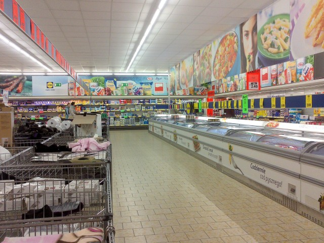 Lidl grocery store supermarket