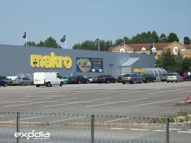 Makro is a big cash & carry supermarket for resellers. It is present in Poland, the Netherlands, the UK and other countries.