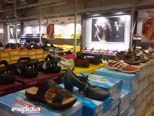 The Makro stores offer a wide range of clothes and shoes.