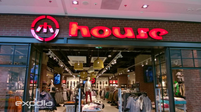 The House clothing stores in Poland offer latest fashion for young people
