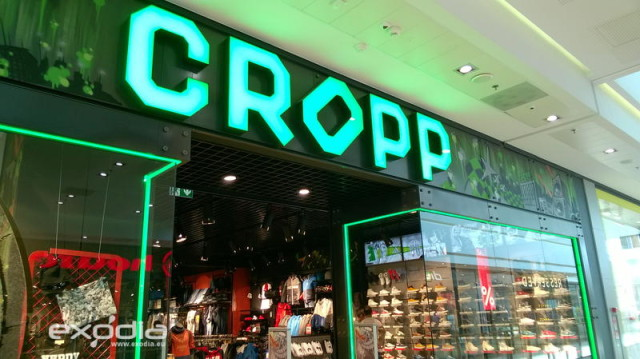The Cropp fashion brand's stores are available in all Polish cities