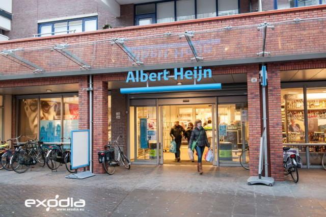 In den Niederlanden findet man viele Albert Heijn Supermärkte.