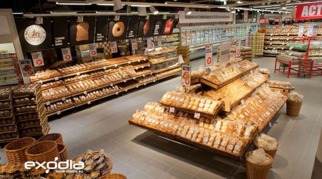 Dirk van den Broen sells mainly grocery products.