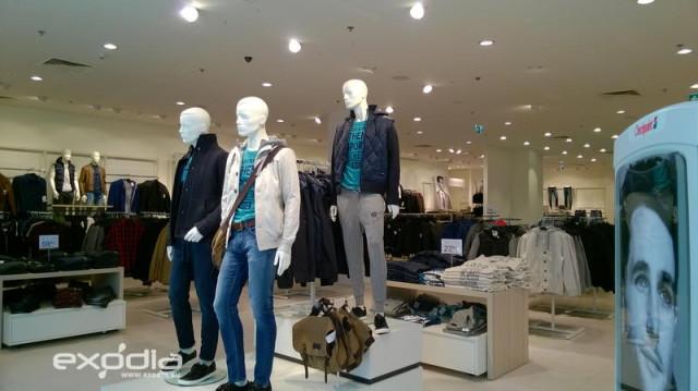 C&A to sklepy odzieżowe rozpowszechnione w Europie: Niemczech, Francji, Polsce, Niderlandach, Wielkiej Brytanii