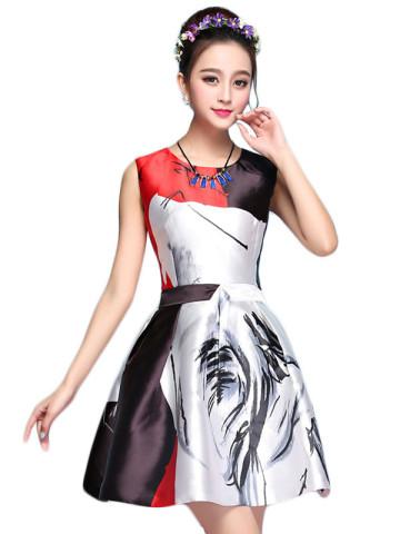 Elegantes Kleid mit Farbmix.