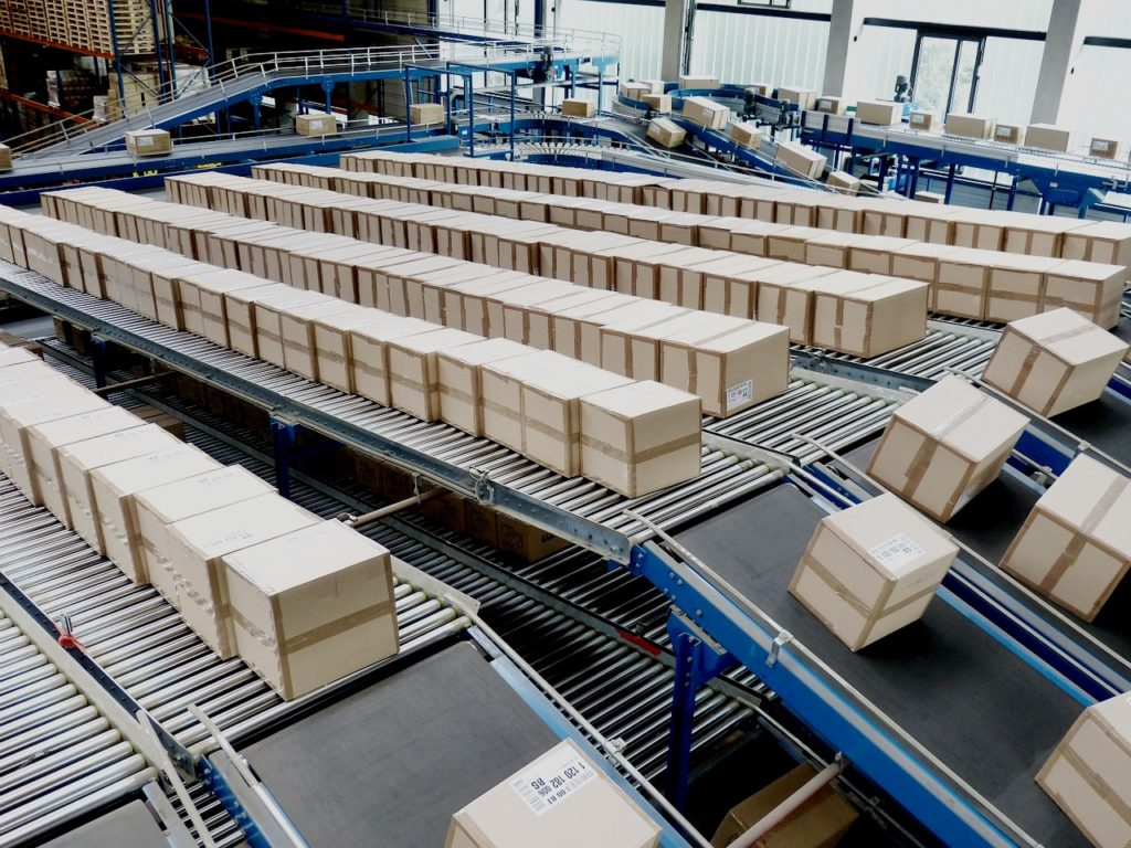 Niemiecki Amazon oferuje bezpłatną dostawę do Polski.